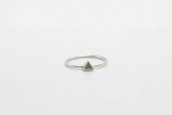ring-driehoek-zilver1